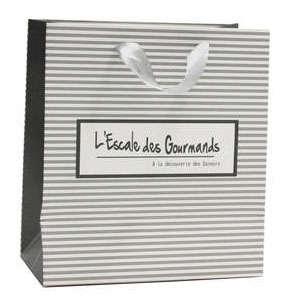 Geschenktasche Pappe schwarz-weiss m. Tragebändern 'L'Escale des Gourmands'  : Verpackung fur flaschen und regionalprodukte